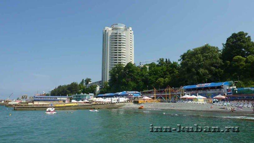 пляж Маяк в Сочи
