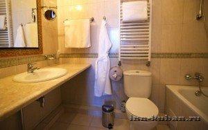 ванная в гостинице Пирамида