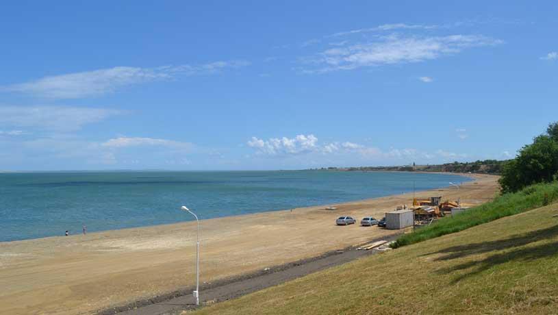 пляж в Тамани